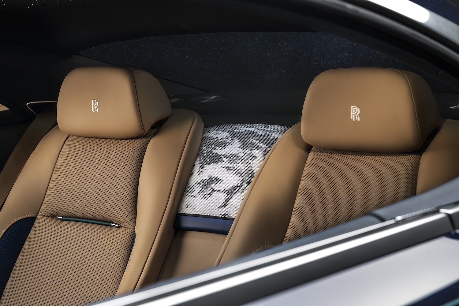 Bespoke Rolls-Royce Wraith - Inspired By Earth Touches Down In Abu Dhabi