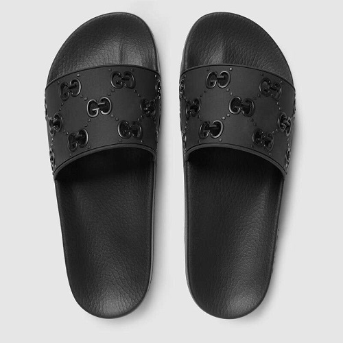 11 Thoughtful Gifts for Fashionable Gentlemen: A Holiday Shopping Guide | Gucci Rubber Slides