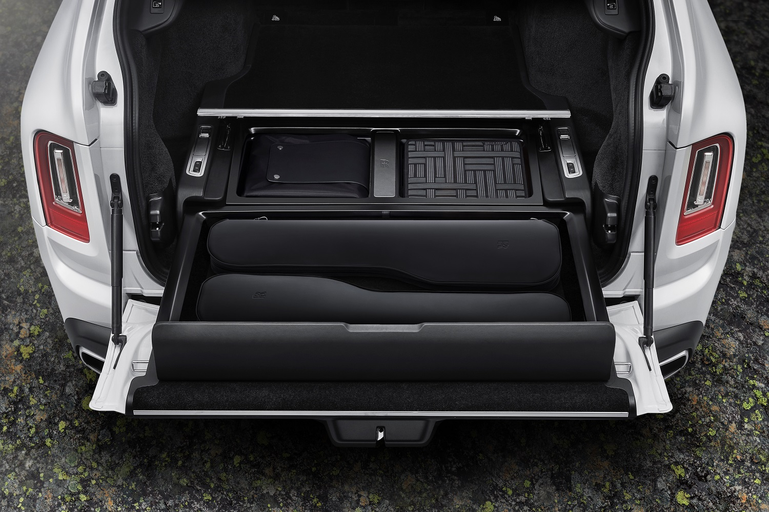 Rolls-Royce Launches New 'Pursuit Seat' Accessory