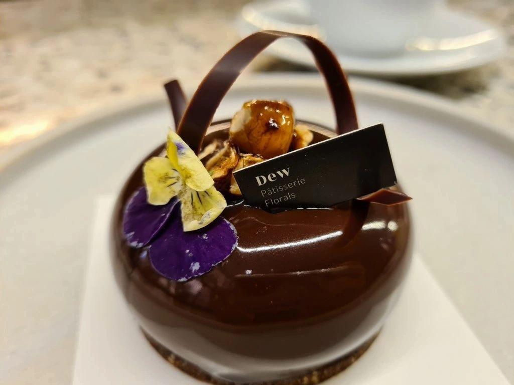 Dew Bangsar – A Plushy Dessert Eatery