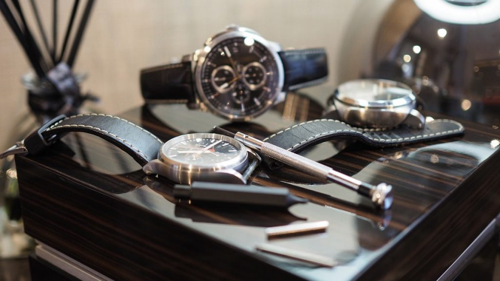 Must-Have Accessories For Your Luxury Watch