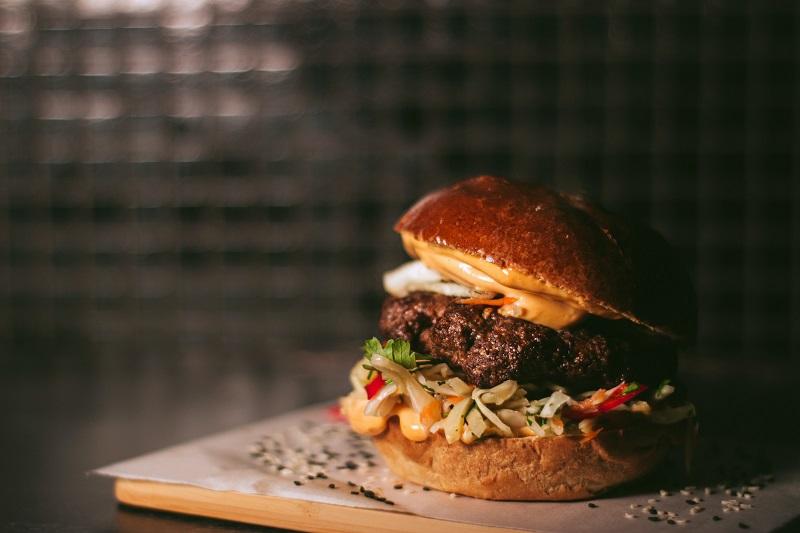 Prepare burgers on the stove - 4 delicious tips